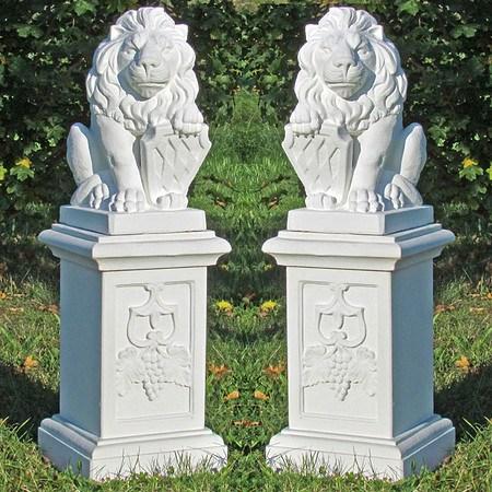 2 Wappenlöwen auf großer Säule 4-teilig